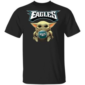Baby Yoda hug Philadelphia Eagles Star Wars Shirt Long Sleeve Hoodie