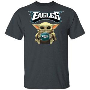 Baby Yoda hug Philadelphia Eagles Star Wars Shirt Long Sleeve Hoodie