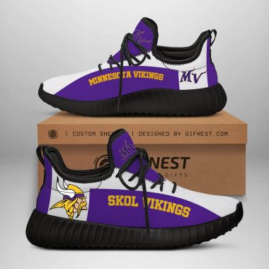 Minnesota Vikings NFL Yeezy Boost 350 V2 Sneaker